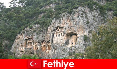 Stadt Fethiye im Südwesten der Türkei