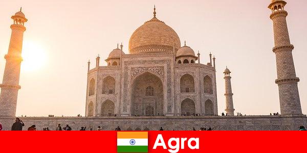Beeindruckende Palastanlagen in Agra Indien ist ein Reisetipp für Urlauber