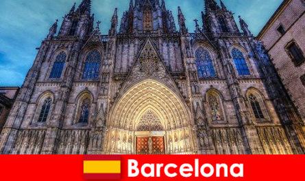 Barcelona begeistert jeden Gast mit Zeugnisse Jahrtausende alter Kultur
