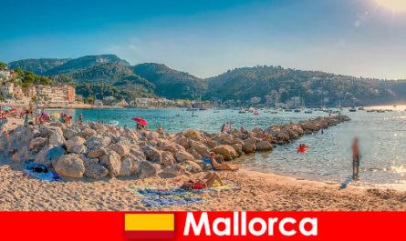 Mallorca mit der weltberühmten Partymeile und wunderschönen Stränden