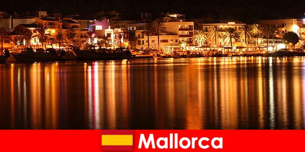 Nachtleben in Mallorca mit hübschen Frauen aus der Erotik Szene