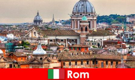 Rom Kosmopolitische Großstadt mit vielen Kirchen und Kapellen ein Anlaufpunkt für Fremde