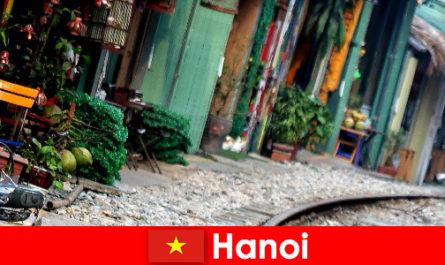 Hanoi ist Vietnams faszinierende Hauptstadt mit engen Gassen und Strassenbahnen