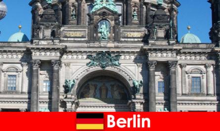 Berlin trotz Covid 19 zieht neue Touristen aus aller Welt an