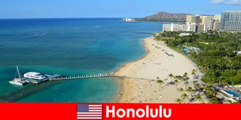 Typisches Reiseziel für Entspannungstouristen am Meer ist Honolulu Vereinigte Staaten