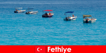 Türkei Blaue Reise und weiße Strände erwarten sehnsüchtig auf Fethiye Touristen zur Erholung