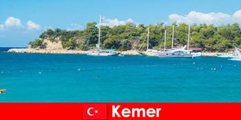 Bootstour und heiße Partys für junge Urlauber in Kemer Türkei