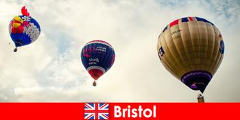 Urlaub für mutige Touristen für Ballonfahrten über Bristol England