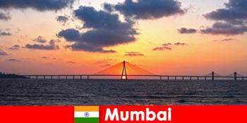 Asienreisende sind begeistert von der Moderne und der Tradition in Mumbai Indien
