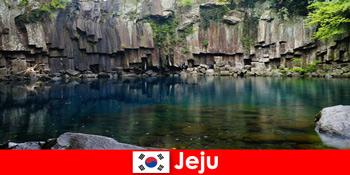 Exotische Fernreisen in die wunderschöne Vulkanlandschaft von Jeju Südkorea