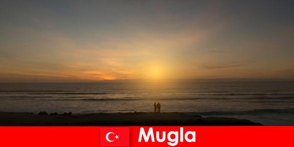 Străinii sunt entuziaști Excursie de vară în Mugla Turcia cu golfuri pitorești pentru turiștii amoroși ai clădirilor culturale tradiționale din Chennai India