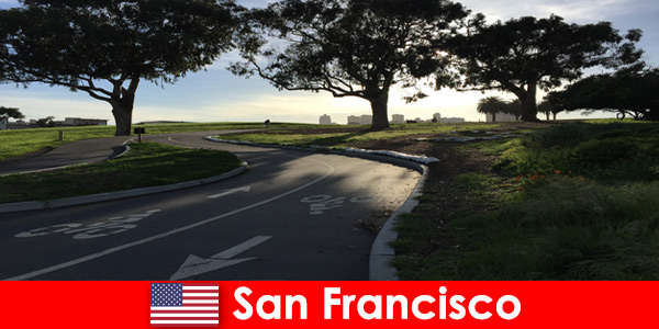 サンフランシスコの自転車で外国人のための探索的ツアー
