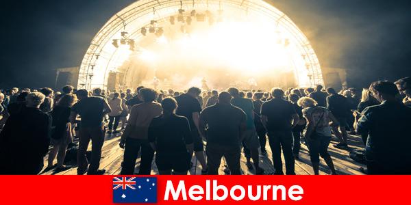 Idegenek vesznek részt az ingyenes szabadtéri koncertek Melbourne Ausztrália minden évben