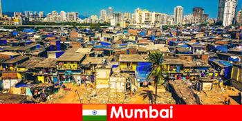 In Mumbai Indien erleben Reisende die Gegensätze dieser wunderbaren Stadt
