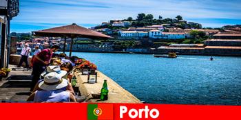 Reiseziel für Kurzurlauber zu den tollen Fischlokalen am Hafen in Porto Portugal