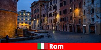 Kurzreise für Touristen im Herbst nach Rom Italien zu den schönsten Sehenswürdigkeiten