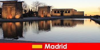 Beliebtes Reiseziel für Ausflugsfahrten nach Madrid Spanien für europäische Schüler