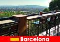 Großstadtflair pur für Besucher in Barcelona Spanien mit Bars, Restaurants und Kunstszene