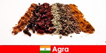 Streifzug für Touristen in die raffinierte Küche der Gewürze in Agra Indien